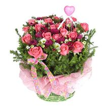 two dozen pink roses with green leaves send to vietnam