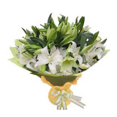white lilies bouquet send to vietnam